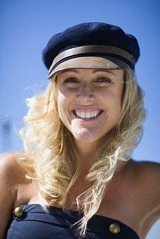 Купить женскую кепку