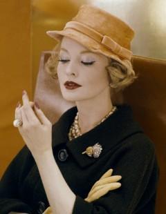 Подобрать себе дамскую шляпку